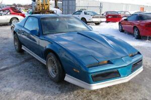 1984 Pontiac Trans Am  5 speed  T-Top
