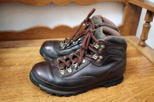 Timberland Hiking boots Mens 7.5-8 or Womens 8.5-9