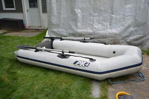 Dinghy, bateau pneumatique