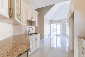 *HOT LISTING* CRYSTAL HARBOUR DRIVE, LASALLE - ON THE WATER Windsor Region Ontario image 4
