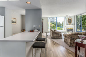OPEN HOUSE: Beautiful 2 BED/ 2 BATH Condo with Private Sun Room!