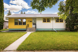 Lovely 3 Bedroom Home in River Heights South! Asking $289,900!