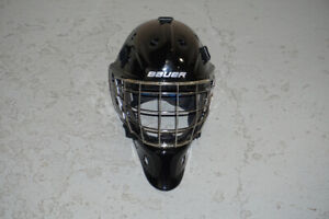 Bauer NME8 Goalie mask, Black, very lightly used w/ carry case