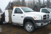 REDUCED TO $21,995 - 2009 Dodge 5500 4x4 with Hiab 060