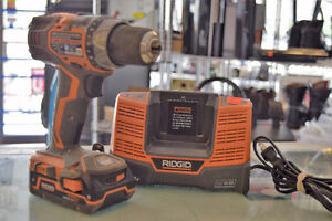 ** GREAT DEAL ** Ridgid R86008 18v Drill + Battery Charger