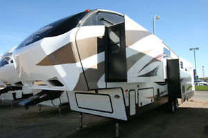2015 KEYSTONE COUGAR 333MKS LIKE NEW