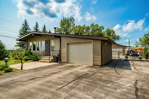 Stunning 3 Bedroom Bungalow in Birds Hill! Asking $329,900!