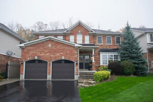 17 Hunter Way- BEAUTIFULLY RENOVATED IN-LAW SUITE