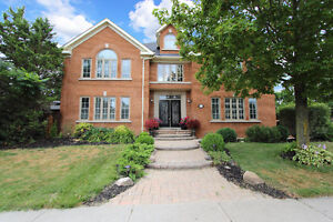 Beautiful 'Wyndham Village'  home in Newmarket