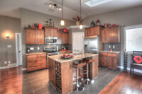 5BEDS/WALKOUT Immediate possession! 326 Sixmile Lane South