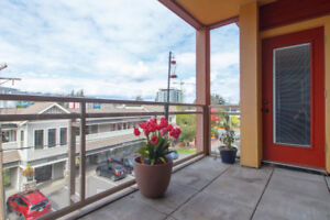 (2 Beds/2 Baths) Great Unit in Downtown Langford