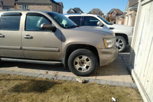 2007 GMC suburban 4x4 8 passenger for sale