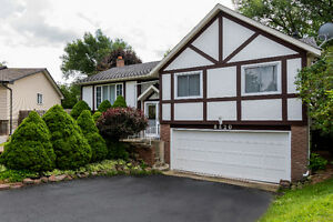 BEAUTIFUL RAISED-BUNGALOW IN BELL CRES!!!!