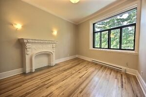 Newly renovated-Beautiful 4½ available in Westmount !