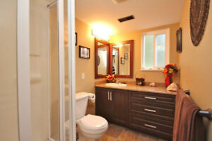 $1350/2br, 900ft Sunshine Hill, Delta South Facing Ground Level