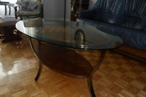 Table basse de salon ovale (métal, verre et bois)