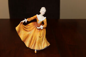 ROYAL DOULTON KIRSTY FIGURINE 1970, HN2381, MADE IN ENGLAND