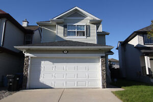 3 Bedroom Detached House for Rent in Royal Oak, NW, Calgary