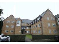 2 bedroom flat in Gatcombe Mews, Ealing, W53