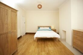 DOUBLE ROOMS TO RENT,PRO. HOUSE SHARE, ALL BILLS INC. FULLY FURN , WIFI, CLEANER, NO DEPOSIT