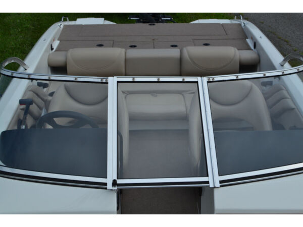 Used 2005 Stratos Boat Co 290 SF