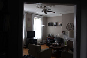2 bedr for rent Uptown