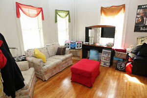Beautiful Four (4) Bedroom Flat-Great Location-Dalhousie-May