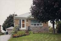 3 badroom mainfloor bungalow at kennedy/lawrence in scarborough