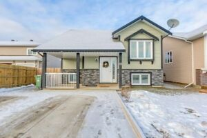 OPEN HOUSE |SUN DEC.9| 1-3PM Hosted By REALTOR® Brittany Widrig