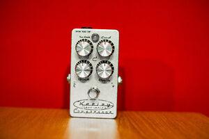 Keeley C4 Compresseur légendaire de guitare - Compression pedal