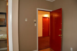 ONE BEDROOM ALL IN $725.00 AVAILABLE DECEMBER 1ST. Cornwall Ontario image 10