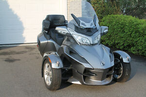 Can-Am spyder RT 2011 gris