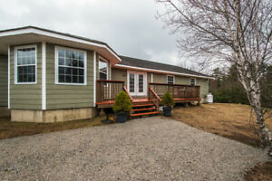Bungalow on private 1.4 acres, near Mahone Bay