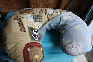 Nursing Pillow with Extra Cover (Jolly Jumper) Peterborough Peterborough Area image 3