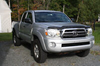 REDUCED 2010 Toyota Tacoma SR5 4x4 with tow pkg; ONLY 72,000kms