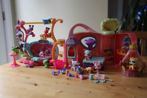 Littlest Pet Shop Get Better Center and Stage and 14 Animals