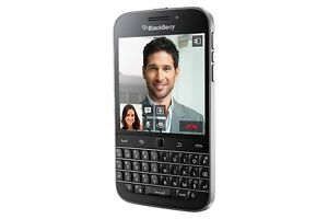 in mint condition unlocked blackberry classic