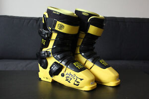 Full Tilt B&E Ski Boots (26.0/US 8) - Brand New