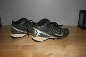 Nike Baseball cleats - size 4 youth