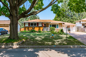 OPEN HOUSE Sun 2-4  65 Royal Manor Dr, St Catharines