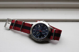 Gucci G-Timeless Chronograph YA126256 BLUE/SILVER Steel