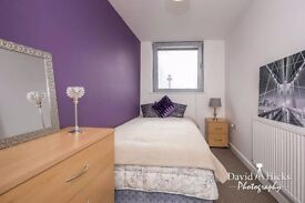 Spacious one bedroom flat near university in Liverpool, with parking space in city centre