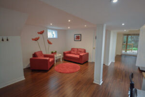 A Room for A Female Professional /Don Mills & Sheppard/