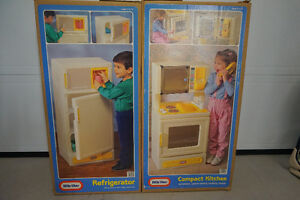 Little Tikes Fridge and Stove 95.00 Each West Island Greater Montréal image 1