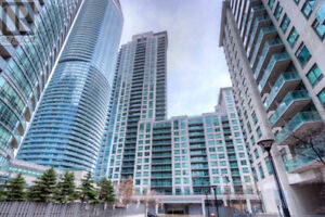 1008 -19 GRAND TRUNK CRES