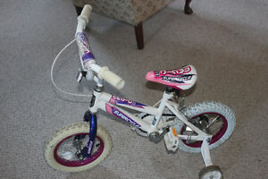 Bike with 11 inch tires and training wheels