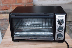 Toaster Oven (Black and Decker)