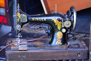 Older Singer Sewing Machine with case