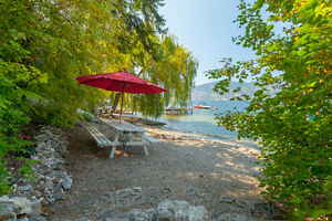 BC Okanagan Lake vacation rental up to 10 people + private beach