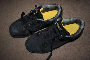 Used Men's Dakota Size 10 Steel Toed Shoe's